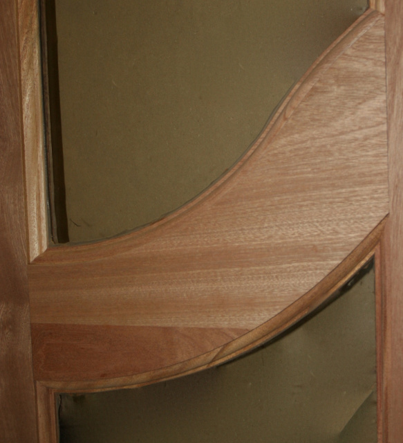 Photo 54 Sapele with Curved Rail